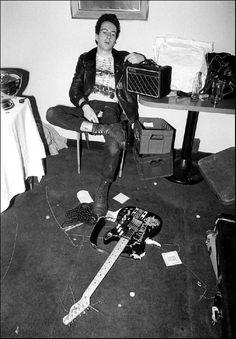 "groovyscooter: ""Joe Strummer- photo by Allan Ballard - 1977 """