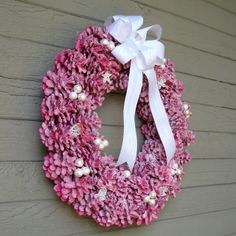 Pine Cone Wreaths Tutorial - Red & Glitter Tutorial (Image 1 of 2)  (11.9.13)