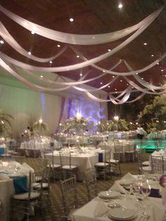 Decoración con velas para bodas en la noche