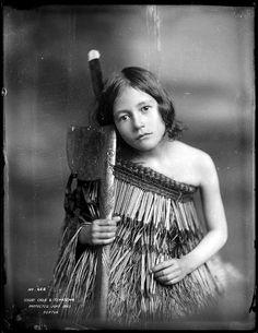 NEW ZEALAND Maori girl with tewhatewha, Wanganui region, circa June 1903. Photo by Frank J. Denton