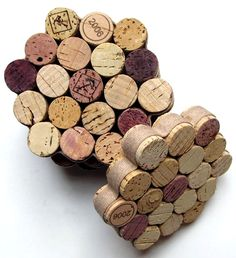 The 15 DIY Wine Cork Crafts Perfect for Rainy Days and Crafty Moods Wine Cork Coasters, Diy Coasters, Coaster Crafts, Making Coasters, Table Coasters, Wine Craft, Wine Cork Crafts, Wine Cork Projects, Diy Projects