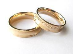 Aliança em Ouro amarelo e brilhantes- LU018 #gabrielaaiex #designerjoias #aliança #noivos #casamento #ouro #brilhantes #noiva #personalizada #brilhantes www.gabrielaaiex.com.br