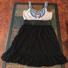 Summer dress Soft and comfortable Summer dress!! No tears or stains. Very comfortable. Dresses Midi