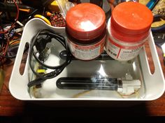 Компактное хранение, стекло вытаскивается и используется для прижима трафарета...