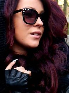 dark hair with burgundy highlights pictures Dark Hair With Burgundy ... I want to try this color!