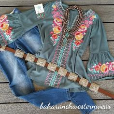 european fashion over 50 Western Outfits Women, Country Girls Outfits, Western Wear For Women, Southern Outfits, Southern Style, Cowgirl Dresses, Cowgirl Outfits, Cowgirl Clothing, Boho Fashion