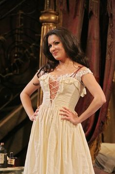"""Donizetti's comic """"Don Pasquale,"""" starring soprano Anna Netrebko as Norina, a penniless young woman who tricks the wealthy Don (John Del Carlo) into thinking he's married her. Anna Netrebko, Don John, Divas, Fairy Tale Costumes, Singing Tips, Opera Singers, Photography Women, Photography Articles, Musical Theatre"""