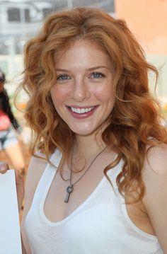 mooi rood is niet lelijk ♥ Red hair - Rachelle LeFevre Rachelle Lefevre, Red Hair Woman, Strawberry Blonde Hair, Gorgeous Redhead, Gorgeous Lady, Natural Redhead, Auburn Hair, Ginger Hair, Clip In Hair Extensions