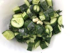 Olyan leves három perc alatt, hogy a szemeid könnybe lábadnak – Mai Móni Tzatziki, Barista, Celery, Zucchini, Tasty, Vegetables, Sweet Stuff, Pretty, Vegetable Recipes