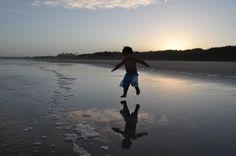Felipe, o pequeno viajante: aproveitando cada passo do caminho...
