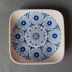 Dot Painting, Dots, Plates, Tableware, Fabric, Design, Kunst, Stitches, Licence Plates