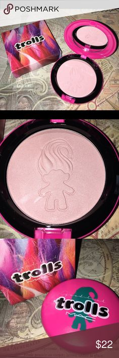 MAC Good Luck Trolls Beauty Powder NEW in Box Specially packaged in bright, wacky colors, the Good Luck Trolls collection by MAC celebrates those vibrant little dolls you know and love. This silky-soft powder is delicately tinted and luxuriously pearl-like, giving your skin an ultra-fine, shimmering veil. It can be worn as a highlighter, soft blush or as an overall finish for your skin.  0.35 oz.  Made in USA. Brand NEW in Box. RETAIL $28 MAC Cosmetics Makeup Blush