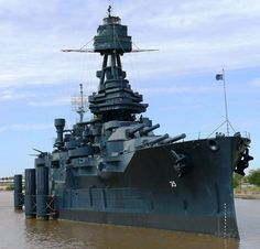 USS Texas in San Jacinto State Park the only dreadnought still in existence was launched in 1912 and is now a museum ship. The battleship is painted as it was in 1945 with Measure 21 Navy Blue System Camouflage. Houston Attractions, Local Attractions, New Battleship, Uss Texas, Go Navy, Navy Blue, San Jacinto, History Online, Texas History