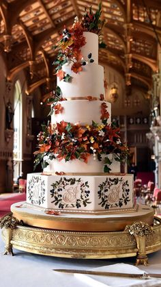 The wedding cake created by baker Sophie Cabot for the wedding of Britain's Princess Eugenie of York and Jack Brooksbank is pictured in St George's. Fall Wedding Cakes, Wedding Cake Designs, Wedding Cupcakes, Autumn Wedding, Royal Wedding Cakes, Royal Wedding Dresses, Woodland Wedding, Wedding Themes, Rustic Wedding