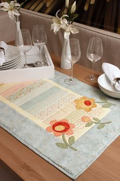Trilho de mesa de patchwork | Idéias na costura | Pinterest ...