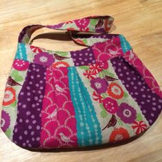 Buttercup Bag in Echino fabric, pattern is by Rae Hoekstra.