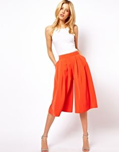 ASOS Culottes with Pleated Front Check out the website for Look Fashion, Skirt Fashion, Fashion Outfits, Fashion Design, Summer Fashion Trends, Spring Summer Fashion, Summer Fashions, Fashion Ideas, Cullotes