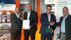 AP Nederland behaalt status Professional bij Schneider Electric - http://datacenterworks.nl/2015/07/23/ap-nederland-behaalt-status-professional-bij-schneider-electric/