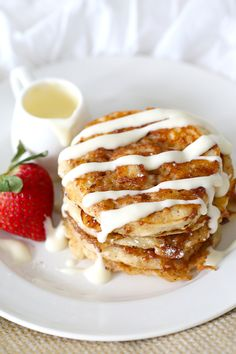 When you need another excuse to indulge in cinnamon rolls, turn them into pancakes! When you need another excuse to indulge in cinnamon rolls, turn them into pancakes! Cupcake Recipes, Baking Recipes, Dessert Recipes, Dinner Recipes, Cinnamon Roll Pancakes, Cinnamon Rolls, Easy Vanilla Cupcakes, Yummy Food, Tasty