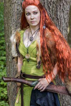 Daenerys Targaryen, Game Of Thrones Characters, Cosplay, Model, Fictional Characters, Art, Art Background, Scale Model, Kunst