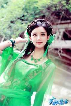 green hanfu clothing