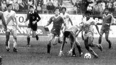 Uribe en las eluminatorias rumbo a Mexico 86. Aqui ante Venezuela. Fue triunfo peruano por 1-0. Fue en Sab Cristobal.