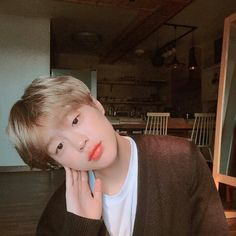 Best Picture For brown hair blonde For Your Taste You are looking for something, and it is going to Korean Boys Ulzzang, Cute Korean Boys, Ulzzang Boy, Cute Boys, Brown Hair Korean, Brown Hair Male, Light Brown Hair Men, Light Hair, Close Up