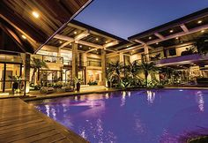 Swimming pools in the homes of Coco Martin, John Lloyd Cruz, and other celebs Celebrity Mansions, Celebrity Houses, Tropical House Design, Tropical Houses, Coco Martin, Cebu, Small Apartment Living, Dream Home Design, Manila
