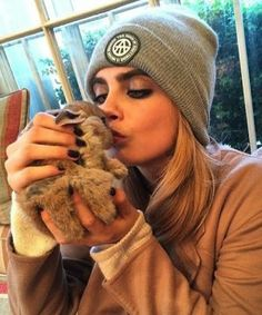 Oh, we love this Cara Delevingne!!
