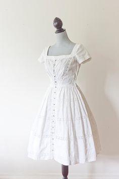such pretty dress, really pretty open square neckline - dress - white eyelet 50s Dresses, Pretty Dresses, Vintage Dresses, Vintage Outfits, Vintage Fashion, Vintage Clothing, 50 Fashion, Timeless Fashion, Fashion Dresses