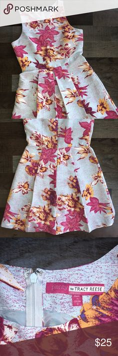 Tracy Reese floral dress w/ pockets size 8 Tracy Reese floral dress with pockets size 8, great condition. Tracy Reese Dresses Midi