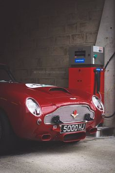 1963 #Aston Martin DB4 GT  #quirky #cars   www.cochessegundamano.es