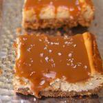 Caramel Toffee Crunch Cheesecake | foodvee