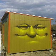 bizarrebeyondbelief: @vyalone получать нас готовы к хороший солнечный уик-энд.  #vyalone #streetart #graffiti