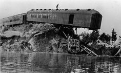 1927- A train Crashed into the Mississippi River