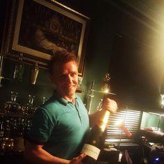 Ihr habt noch ein paar Stunden Zeit das Buch 2017 zu beenden  Also habt Spass seid verrückt und macht das Jahr noch zu einem unvergesslichen  letzte Chance Z Bar #Offenburg : heute und morgen nochmal bis 5 Uhr für Euch am Start  #bar #bartender #bartenderlife #champagner #bollinger #openuntil5 #goodtimes #placetobe