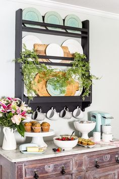 A quick and easy way to make an Easter brunch bar look elegant and put together in minutes. #spring #easter