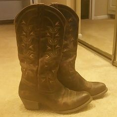 Womens Ariat cowboy boots Brown boots with slight heel and only worn 4 times Ariat Shoes Heeled Boots