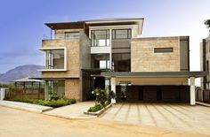 Villa Golfshire / Home Architecture / Bengalore, India / Built by Maps Design (Singapore) Thomas & Associates / Photography by DR Technal
