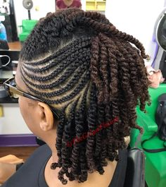 All styles of box braids to sublimate her hair afro On long box braids, everything is allowed! For fans of all kinds of buns, Afro braids in XXL bun bun work as well as the low glamorous bun Zoe Kravitz. Natural Braided Hairstyles, Protective Hairstyles For Natural Hair, Natural Hair Braids, Twist Braid Hairstyles, Natural Hairstyles For Kids, African Braids Hairstyles, Dreadlock Hairstyles, Black Hairstyles, Wedding Hairstyles