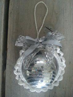 Kerstbalhanger wit/zilver