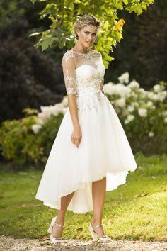 Gorgeous hi-low wedding dress from True Bride. Love the gold lace #weddingdress…
