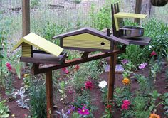 About this Listing: This listing is for a custom matching set with a Big Roof Feeder, Ranch Birdhouse, Googie Bird Bath on my Bird Condo