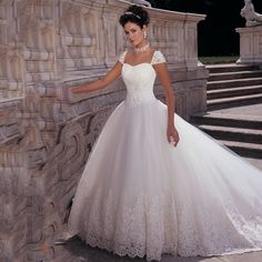 Princess Style Cap Sleeve Beaded Pearls Appliqued Lace Puffy Wedding Dresses