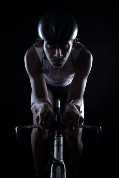 Yasas hewage - Cyclist on Behance Studio Portrait Photography, Sport Photography, Team Photos, Sports Photos, Sport Motivation, Triathlon, Sport Fitness, Cycling Outfit, Track And Field