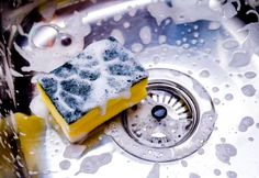 Types Of Sponges, How To Clean Granite, Enamel Cookware, Dish Detergent, Low Carbon, Food Out, Homemade Pasta, Cleaners Homemade, Natural Cleaning Products