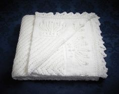 Free royal baby blanket knitting pattern from Patons - free with purchase of any Patons yarns!