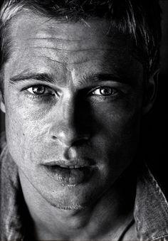 Year: 2001 Models: Brad Pitt Photographer: Herb Ritts