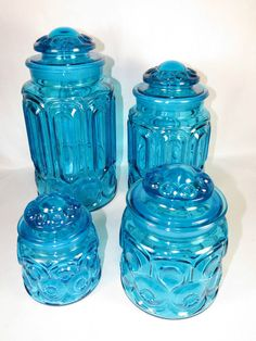 This is a Blue 4 Piece Canister Set LE Smith Moon and Star Colonial. tall, tall, tall and tall. Vintage Bottles, Vintage Glassware, Glass Company, Canister Sets, Bottles And Jars, Vintage Holiday, Glass Collection, Star Patterns, Stars And Moon