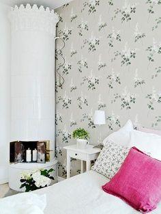 Bildresultat för falsterbo boråstapeter Swedish Interiors, Old Wallpaper, Garden Living, Home Bedroom, Bedrooms, Modern Country, Home Decor Styles, My Dream Home, Design Inspiration